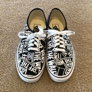 VANS M SIZE 7.5 W SIZE 9 OFF THE WALL SNEAKERS